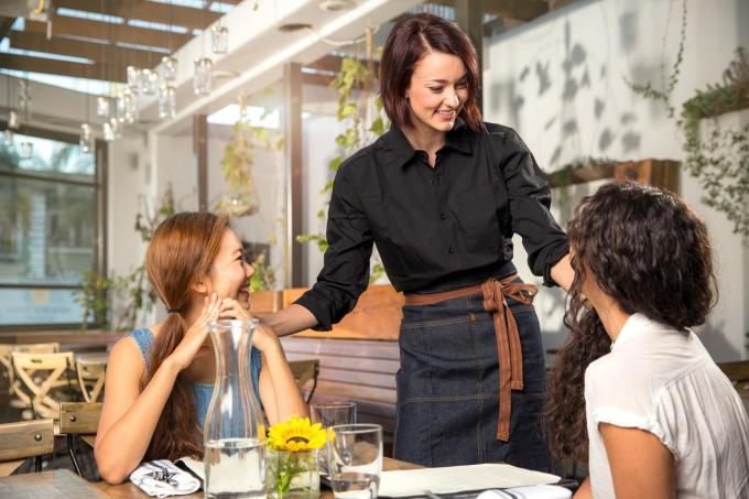 How To Motivate Your Restaurant Employees ToSell