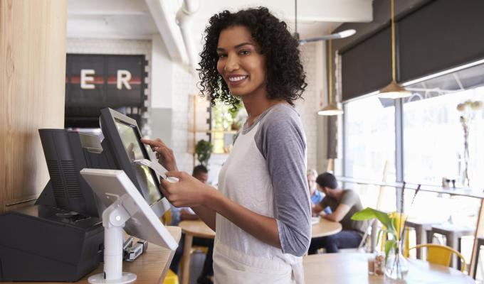 How Restaurant Owners Can SaveMoney
